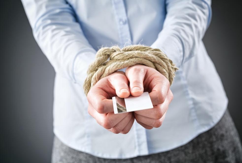 Как получать зарплату если счет арестован