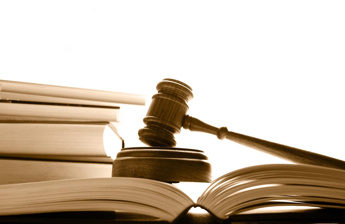 В каком случае банк может подать в суд на заемщика как узнать про свою кредитную историю бесплатно